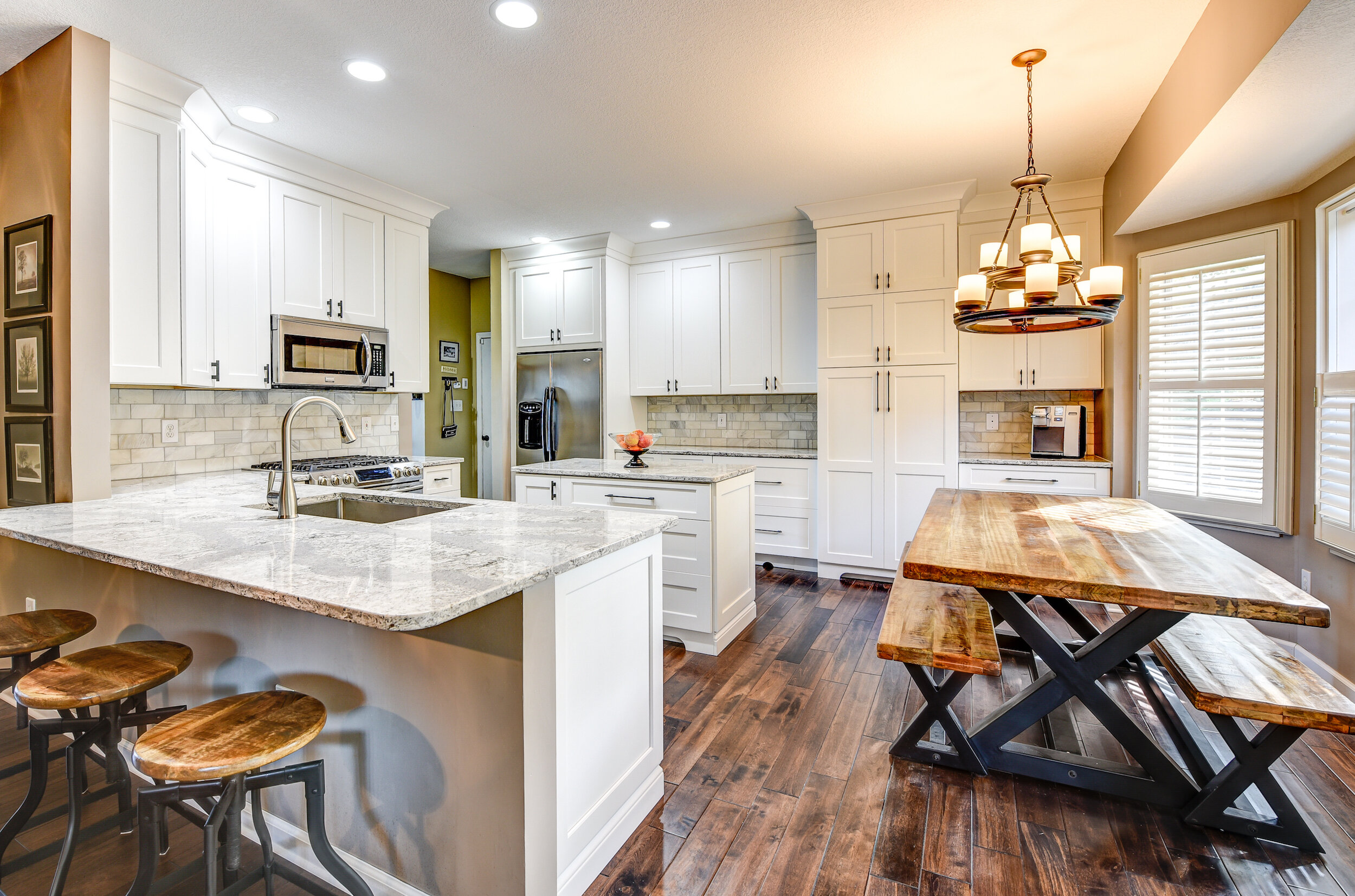 St Gregory S Court Sticks 2 Stones Design Custom Cabinetry In Knoxville Tennessee Custom Kitchen Cabinets Knoxville Cabinet Companies In Knoxville Tn Cabinet Installation Knoxville Tn Kitchen