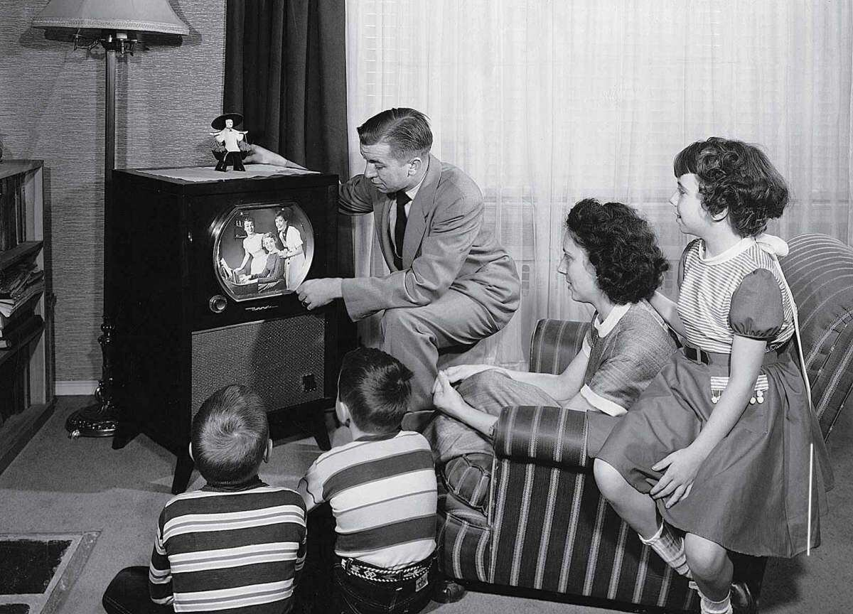 television_50s_family