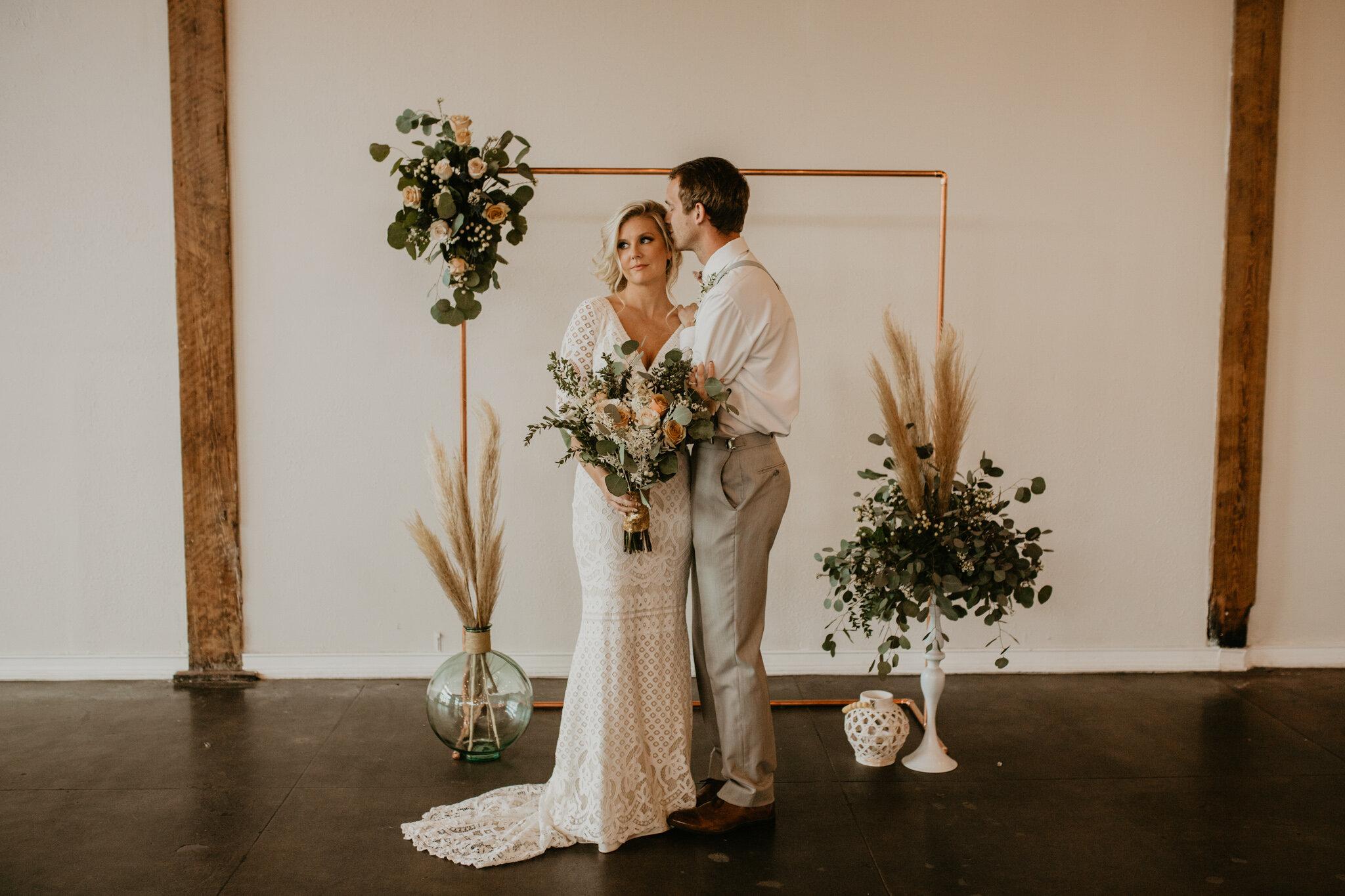 cavu-tampa-industrial-modern-wedding-heyitsthelopezesphotography-1
