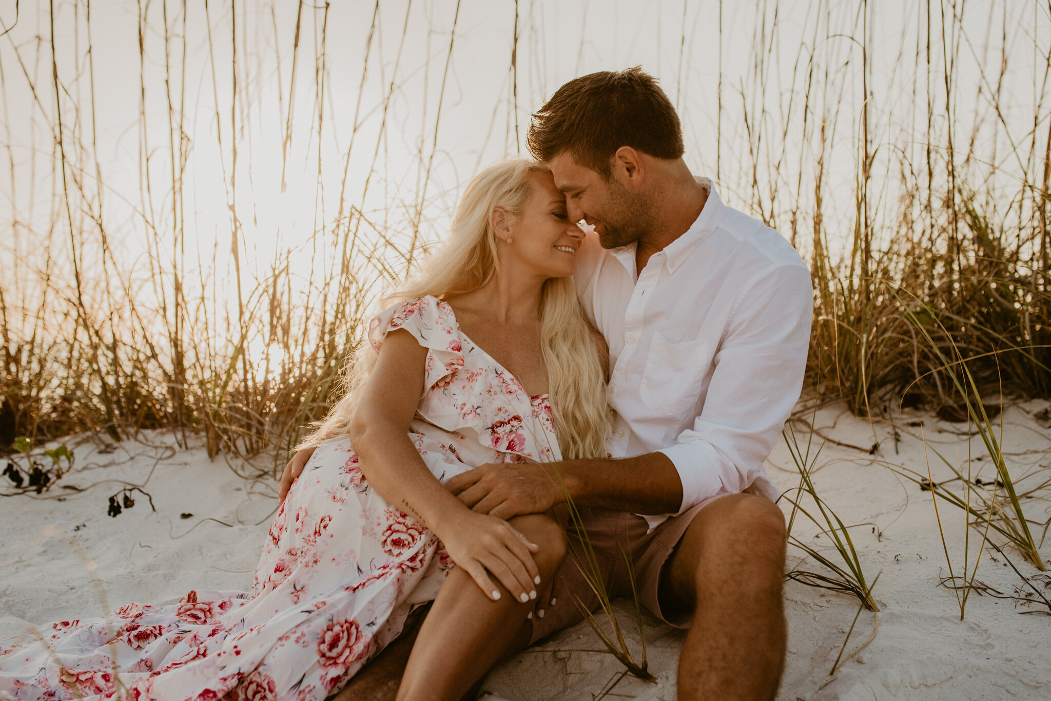 Tampa-lakeside-couples-session-heyitsthelopezesphotography-2