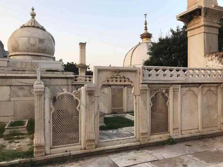 Zafar Mahal Complex