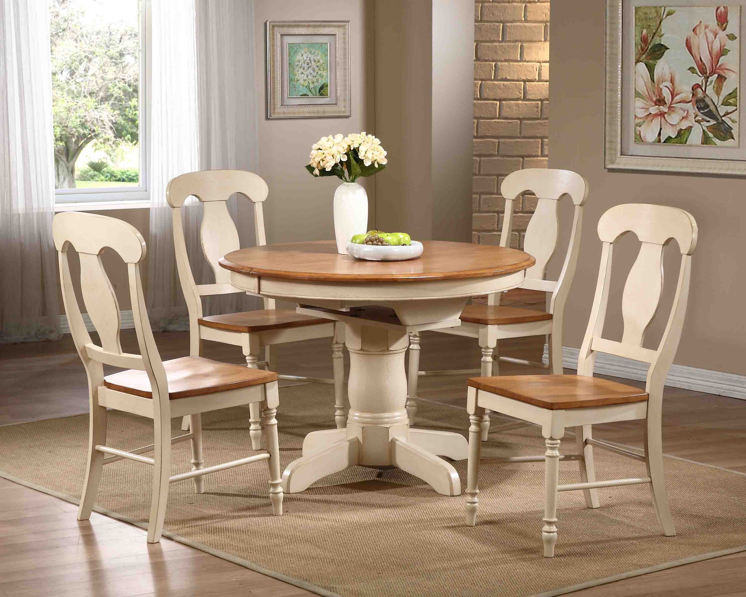 Round Antiqued Caramel/Biscotti Napoleon Back ( 5-Piece Dining Set)