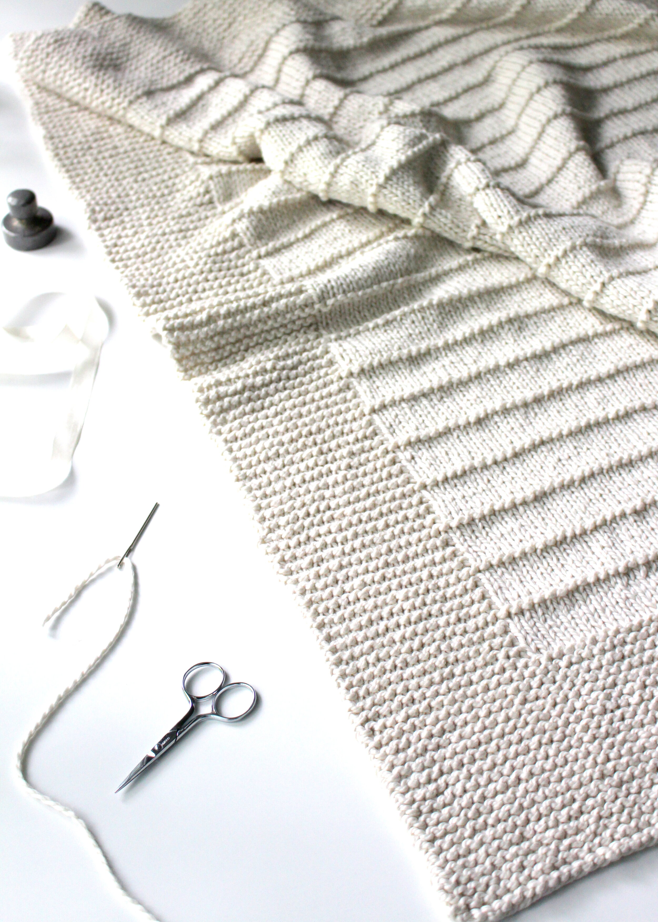 Easy To Knit Beginner Blanket Knitting Pattern For Worsted Weight Yarn On The Porch Blanket Fifty Four Ten Studio