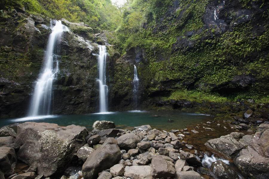 OAHU ELOPEMENT LOCATIONS waterfall waikani falls