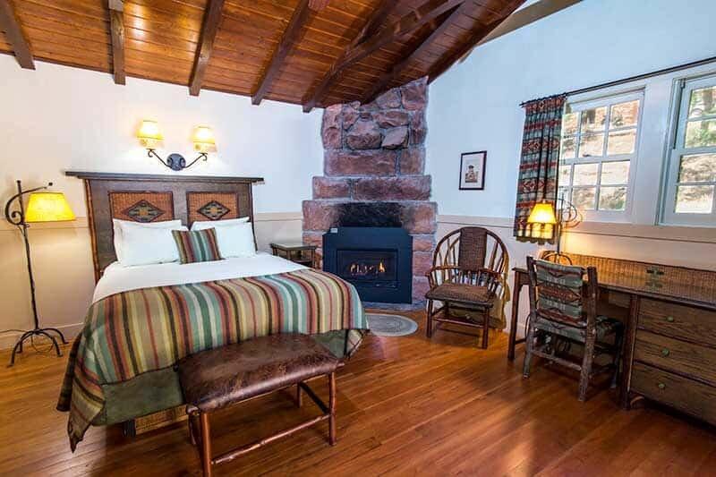 ZionLodge-Cabin- lodge