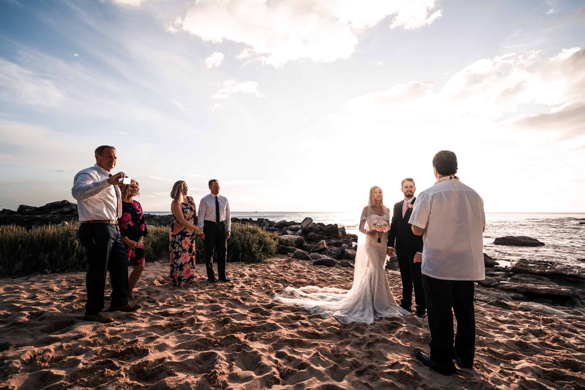 elopement with family in hawaii