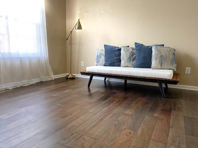 Color Of Hardwood Floors, Harmonics Newport Oak Laminate Flooring