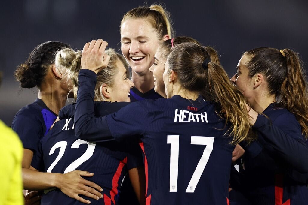 Rose Lavelle, Kristie Mewis propel USWNT past the Netherlands