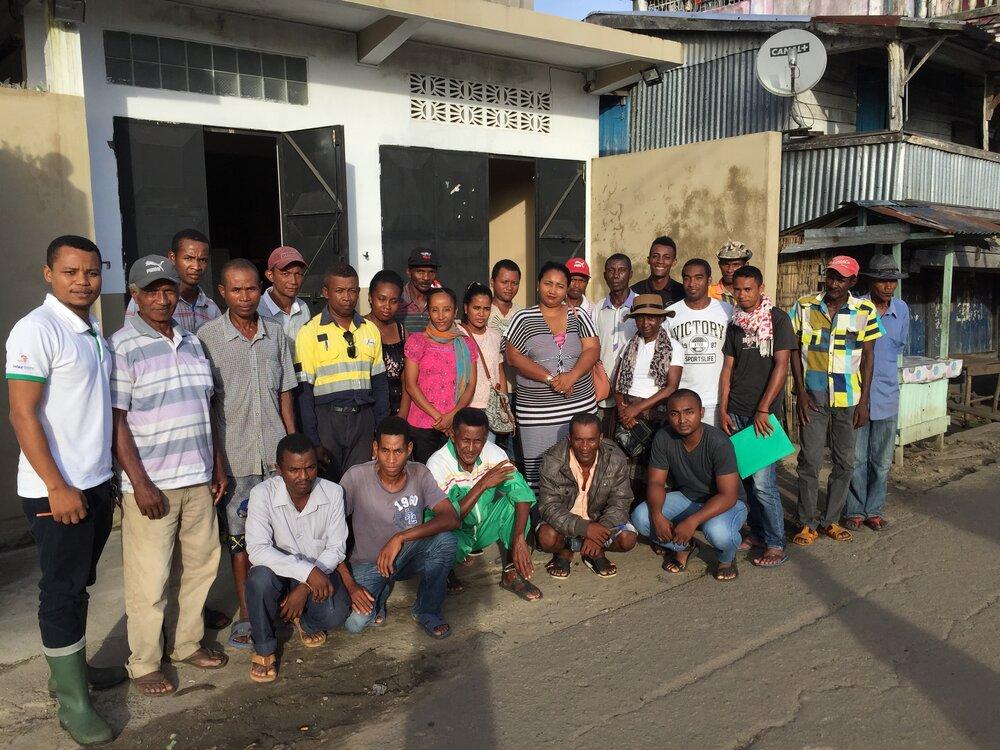 Noen av de 50 nye fiskeoppdretterne på Madagaskar