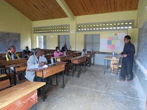 I klasserommet får alle deltakerne grundig innføring i alle tema relatert til fiskeoppdrett