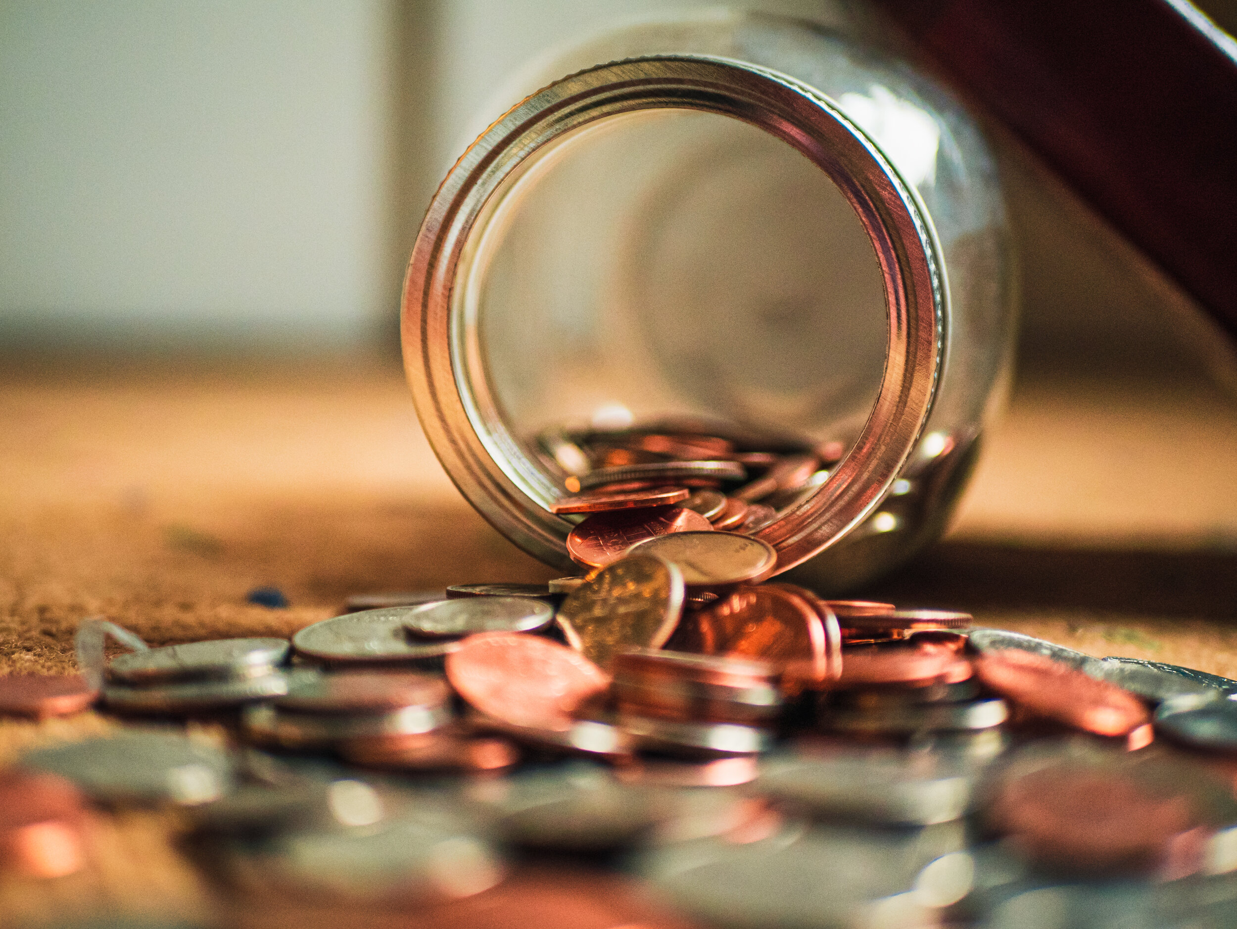 Finding the coins needed for a specific value is a common problem that can be solved with dynamic programming.
