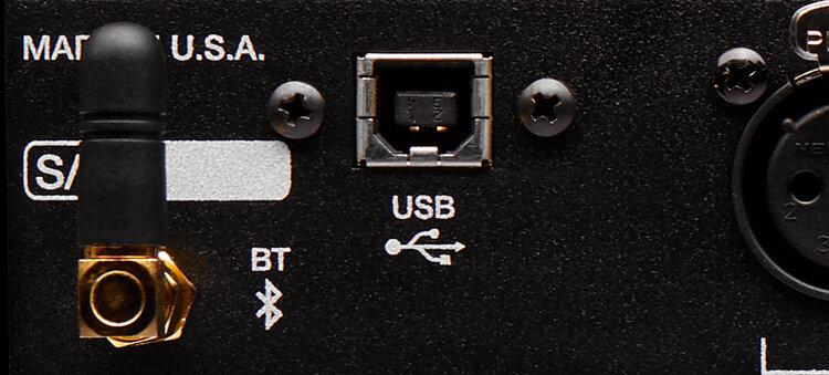 d-box-plus-usb-bluetooth.jpg