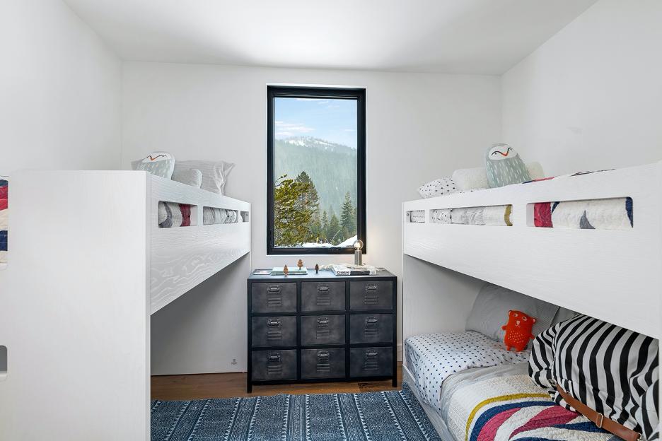 bedroom2-alpine.png