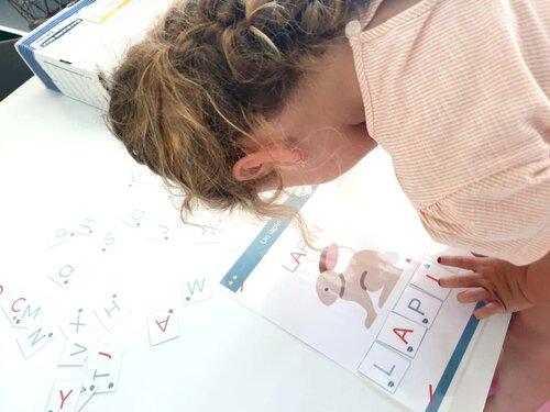 Lorsque l'enfant est actif, il est aussi davantage engagé dans son apprentissage.