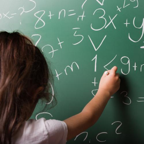 En France, l'enseignement des mathématiques reste trop conceptuel.