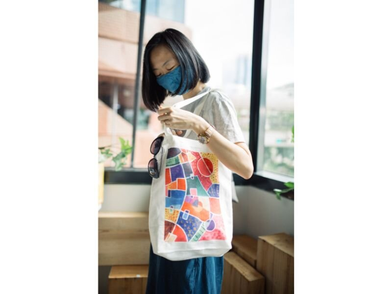 Featured Items:    Cheng's Atelier Handdyed Cotton Mask   ,    Twopluso's Colours of Life Tote Bag     Also in this picture:    Truth&All sunglasses