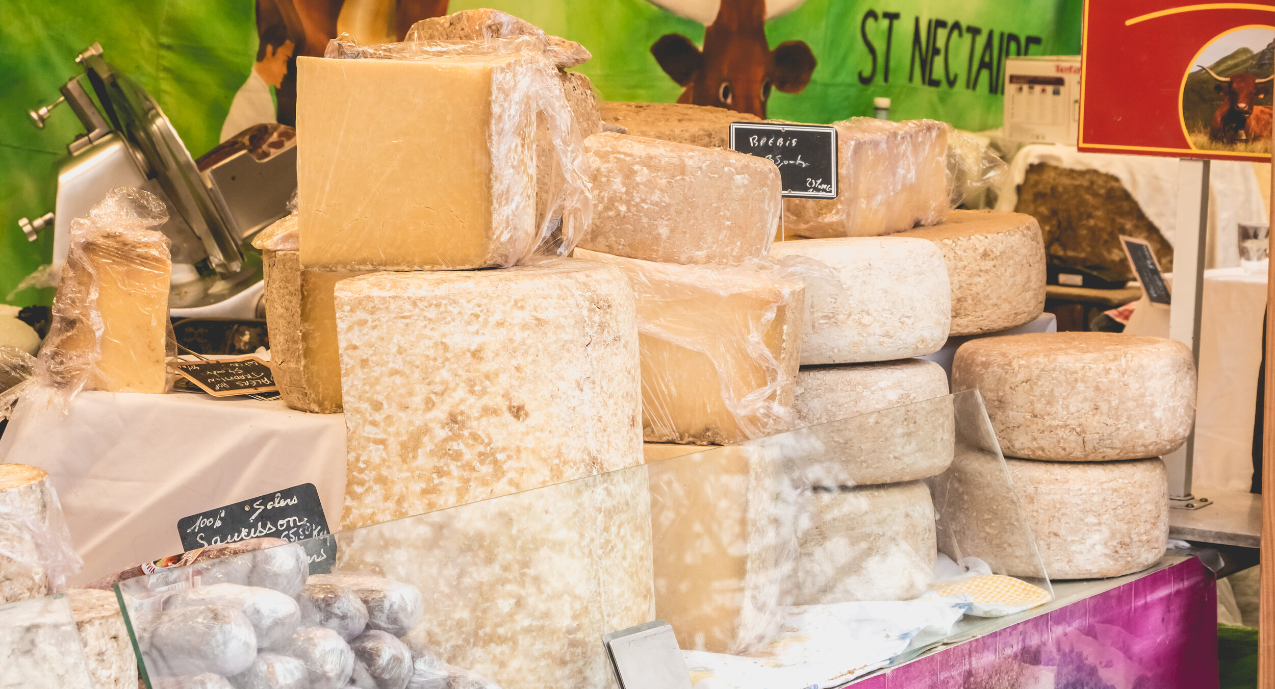 Types of cheese for French cheese board