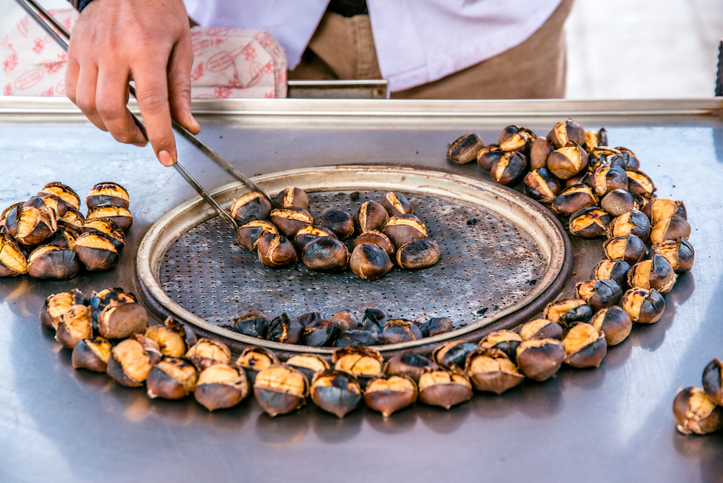 Kestane, chestnuts, are a healthy Istanbul street food.