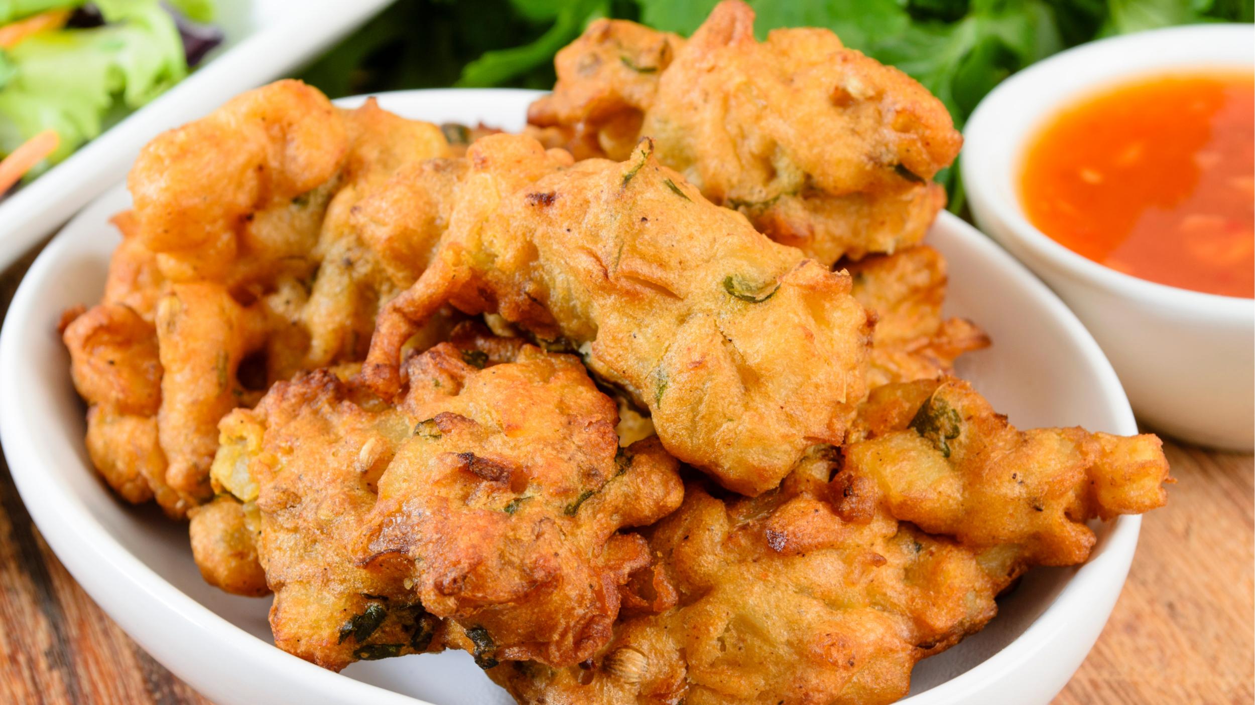 Pakora are a popular street food in New Delhi.