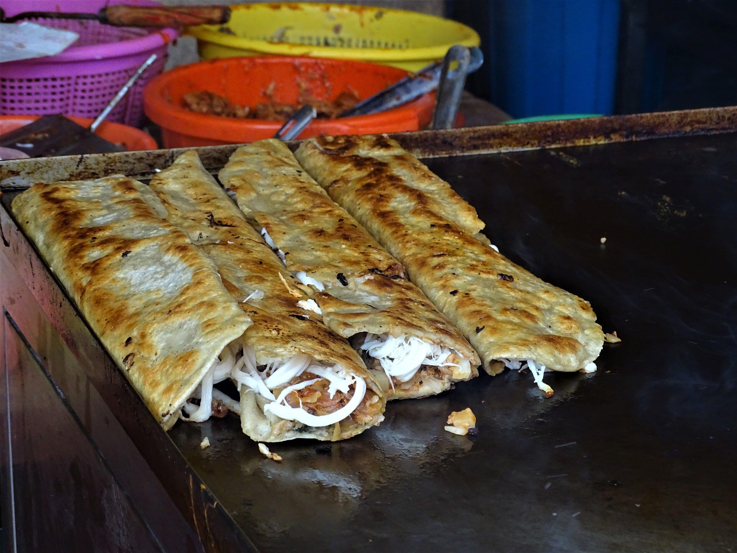 The extra-large Mexico City street food machetes.