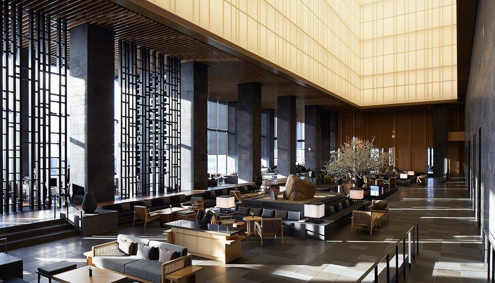 aman-tokyo-lobby-lantern-1400-x-800.jpg