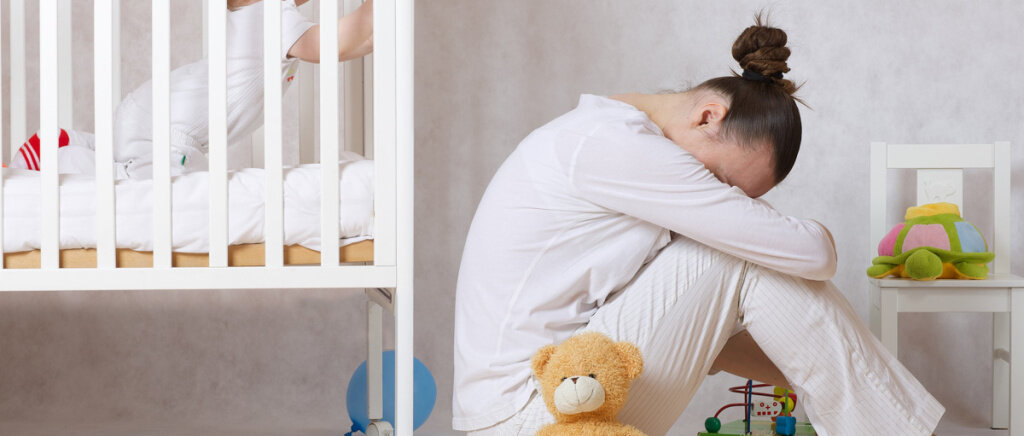 雷竞技rebat边疆 - 全球 - 妇女健康 - 妈妈-Covid19-母体抑郁症焦虑.jpg