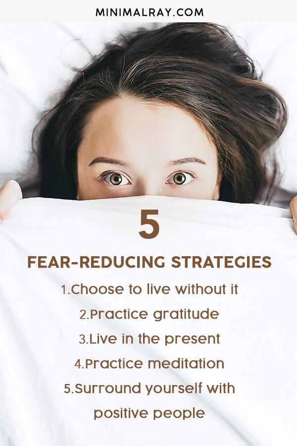 minimalray-minimalist-5-fear-reducing-strategies-pinterest.jpg