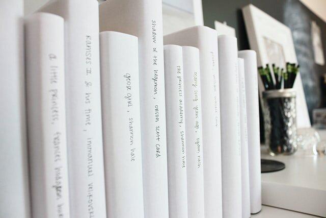 minimalist-library-minimalism-books.jpg