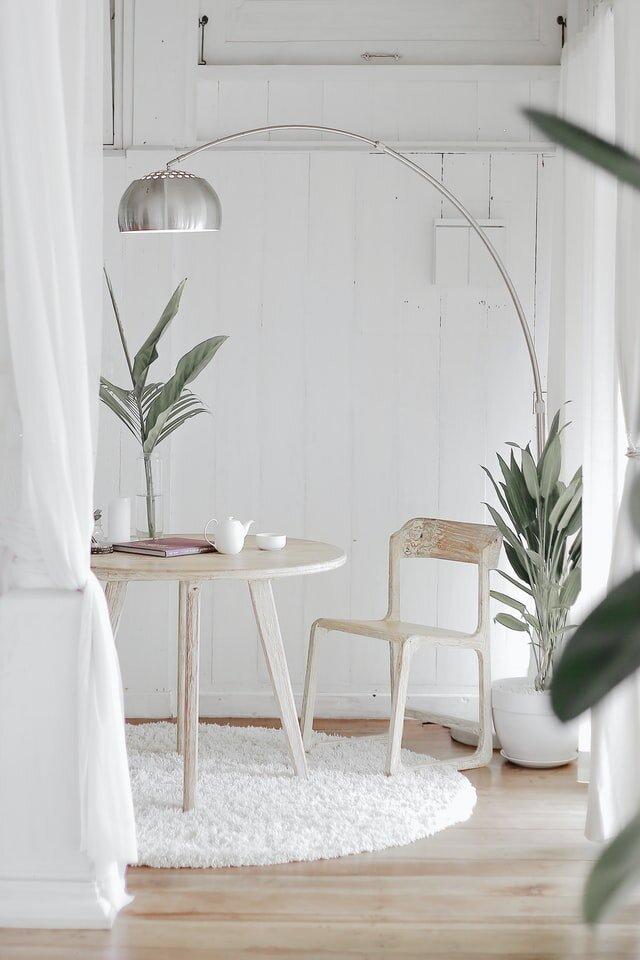 minimalray-minimalism-minimalist-aesthetic-apartment.jpg