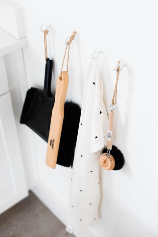 minimalray-minimalist-hacks-cleaning.jpg
