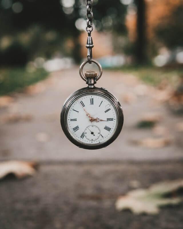 minimalray-minimalism-why-time-is-valuable.jpg