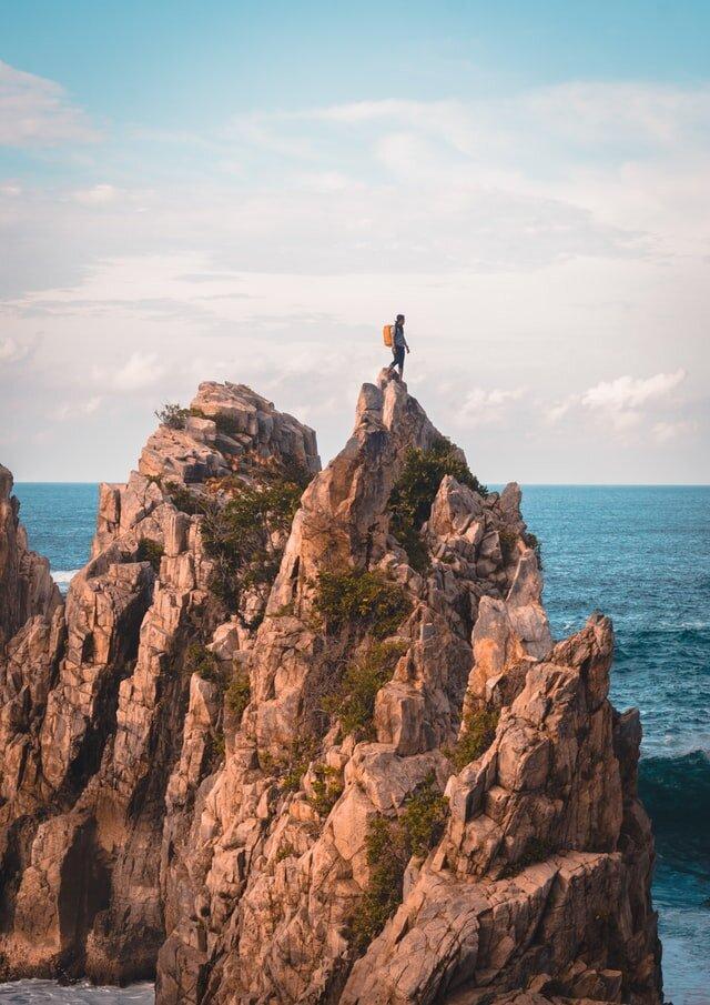 minimalray-30-day-minimalism-challenge-climb.jpg