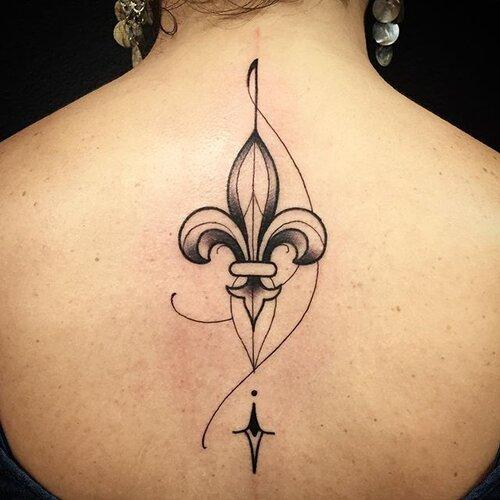 tatuajes flor de lis diseños