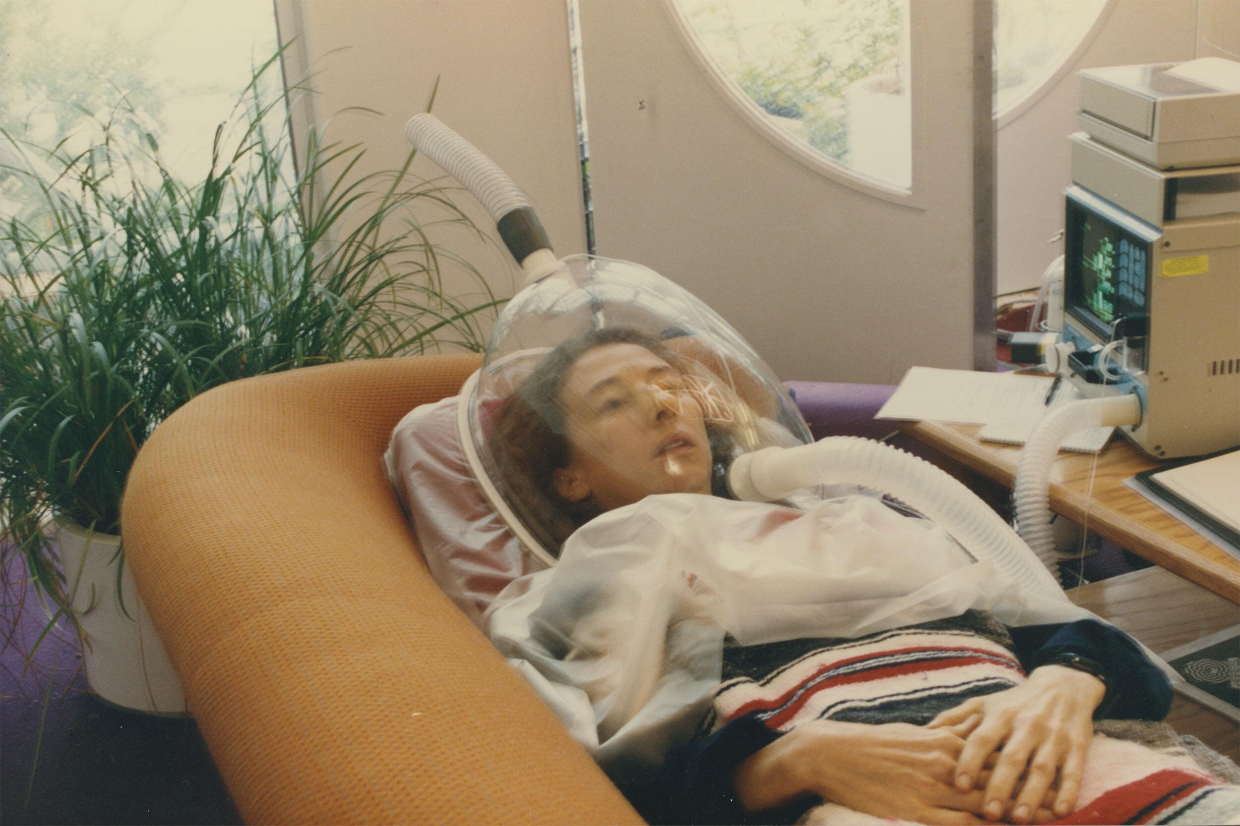 Biospherian Linda Leigh receiving oxygen while in Biosphere 2