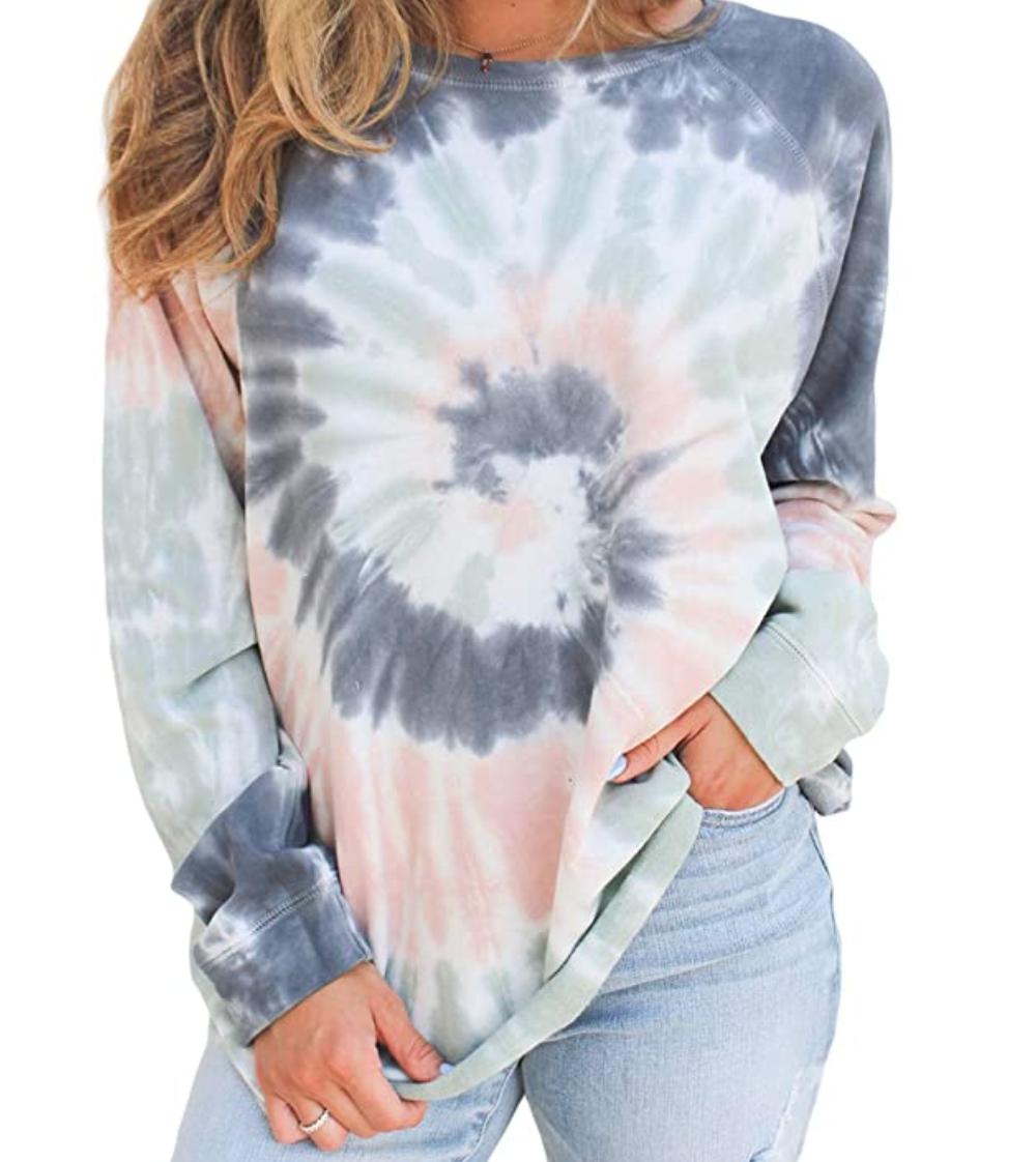 womens-tie-dye-sweatshirt