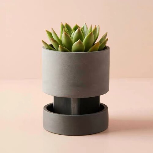 Find the perfect Nomad flower pot for you on FLUQ