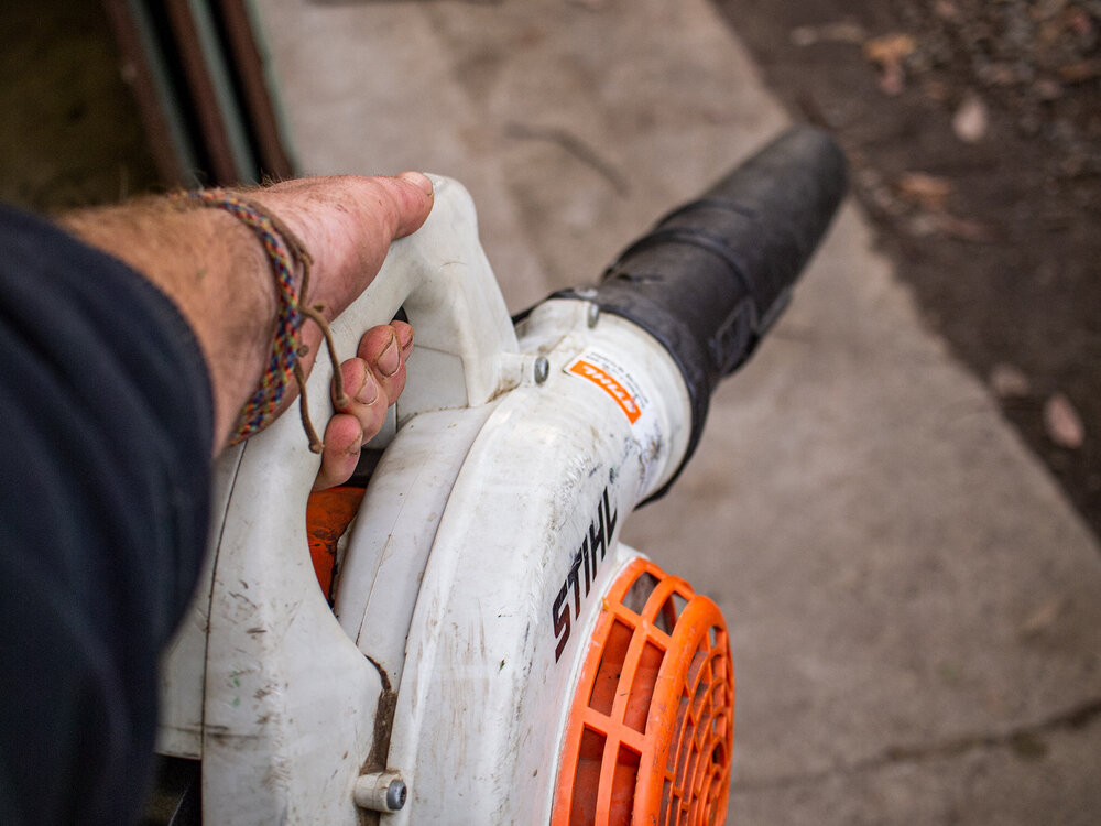 A Stihl petrol hand-held blower. Image via Plants Grow Here.
