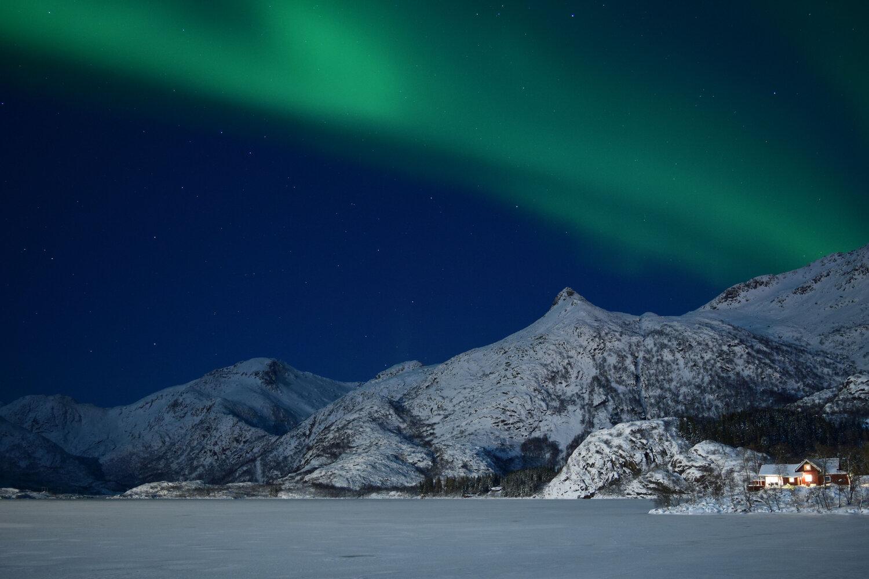Aurora sopra le isole Lofoten. Foto: Ciarlygoesaround