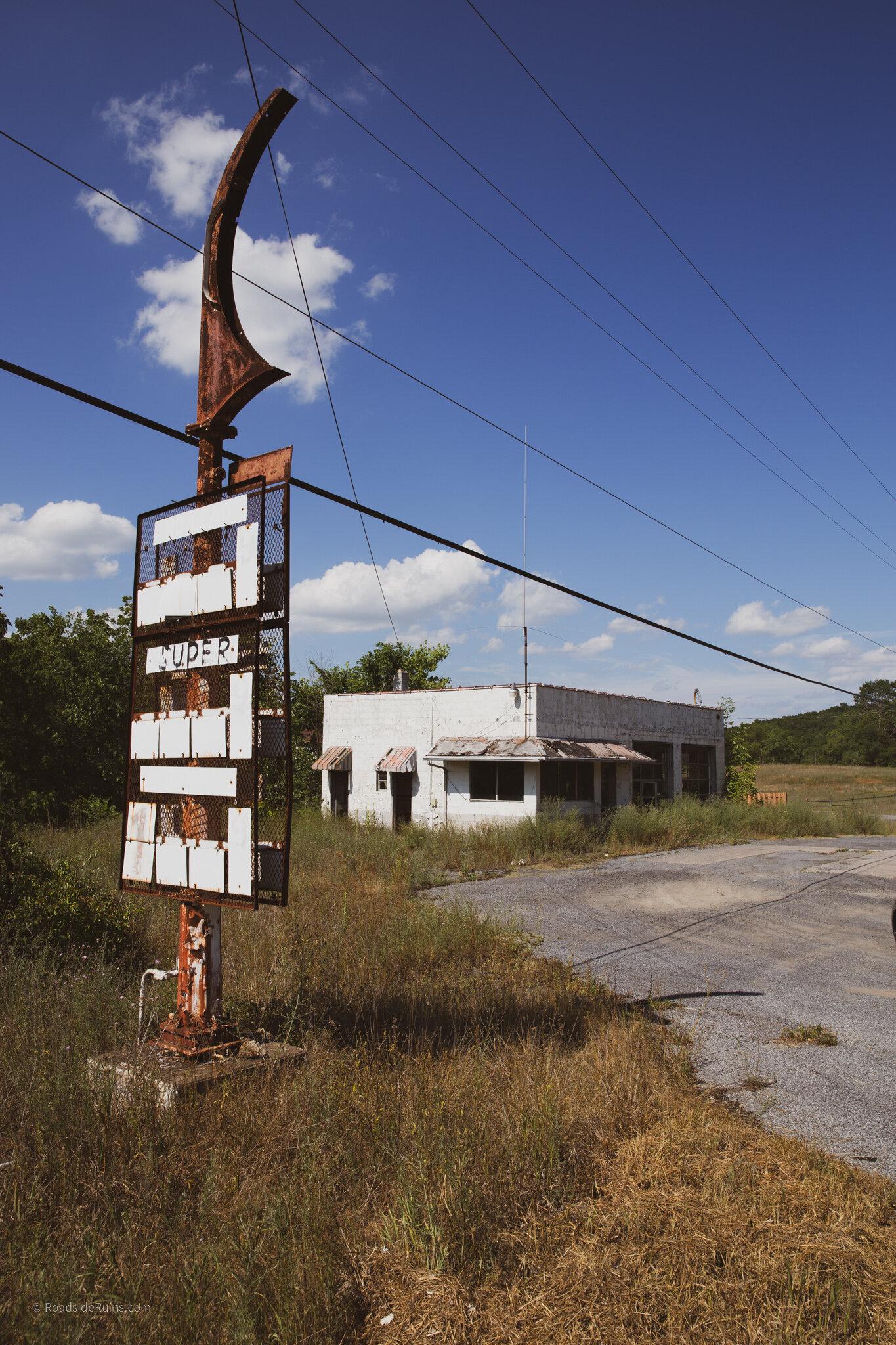 Abandoned Gas Station In Schellsburg Pa Roadside Ruins
