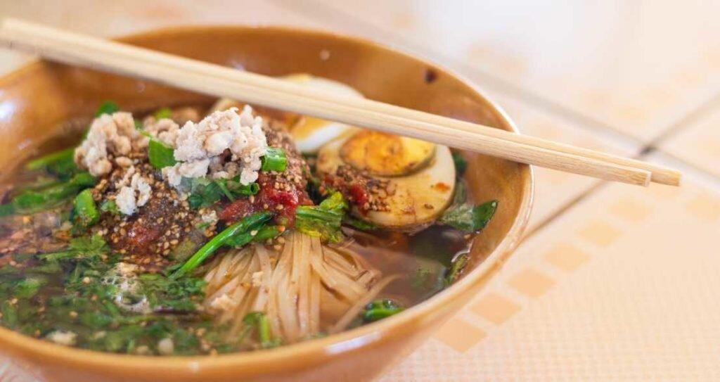 Authentic-street-food-in-Bangkok-2-1024x543.jpg