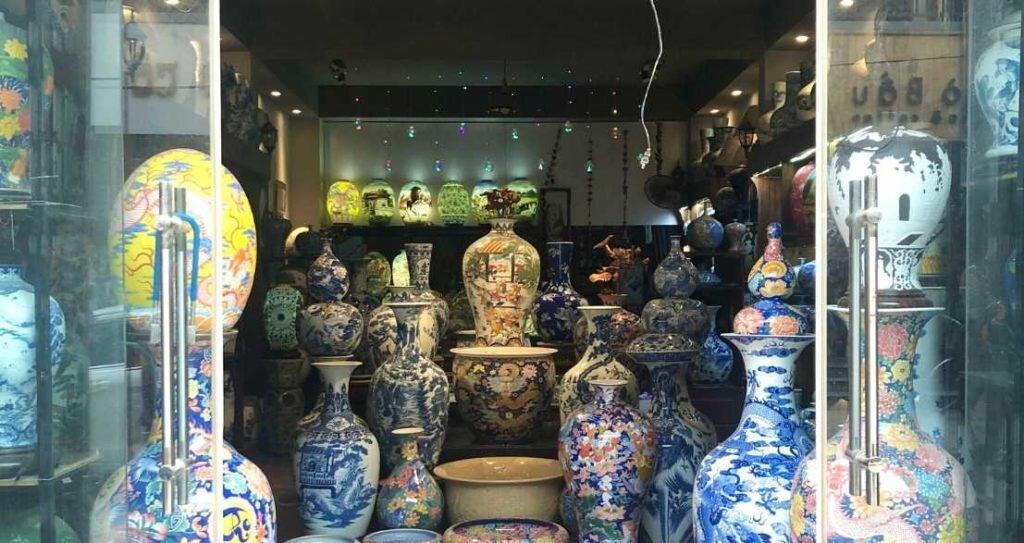 bat trang - ceramic vessels