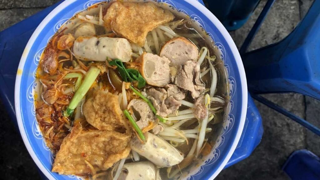What to eat in Vietnam - Mien tron