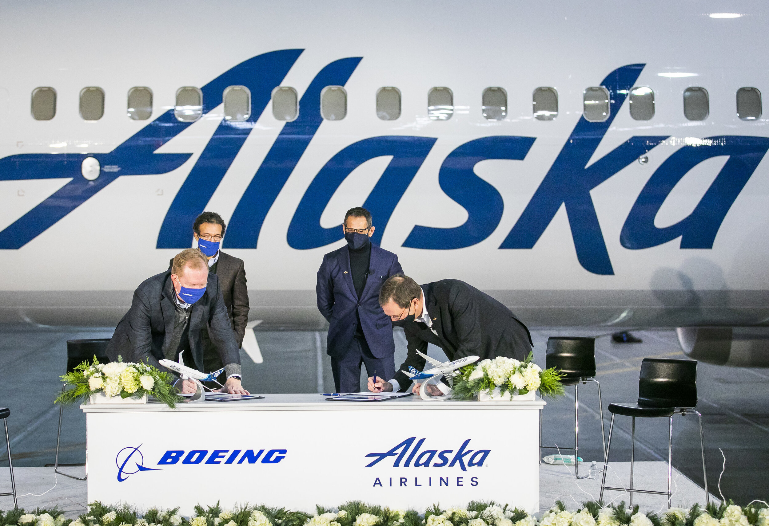 """Alaska adds to 737 MAX order; Airbus on the way out, airline one step closer to returning to """"Proudly All Boeing"""""""
