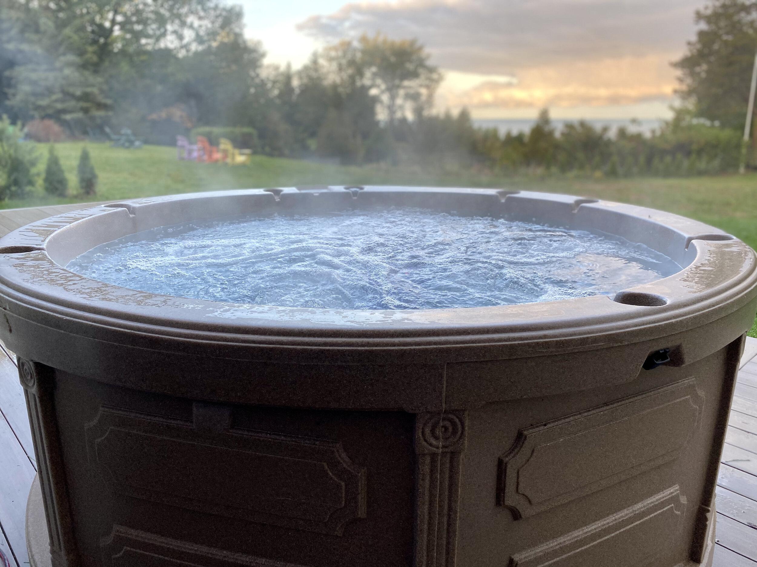 Travellin Tubs Hot Tub Rentals
