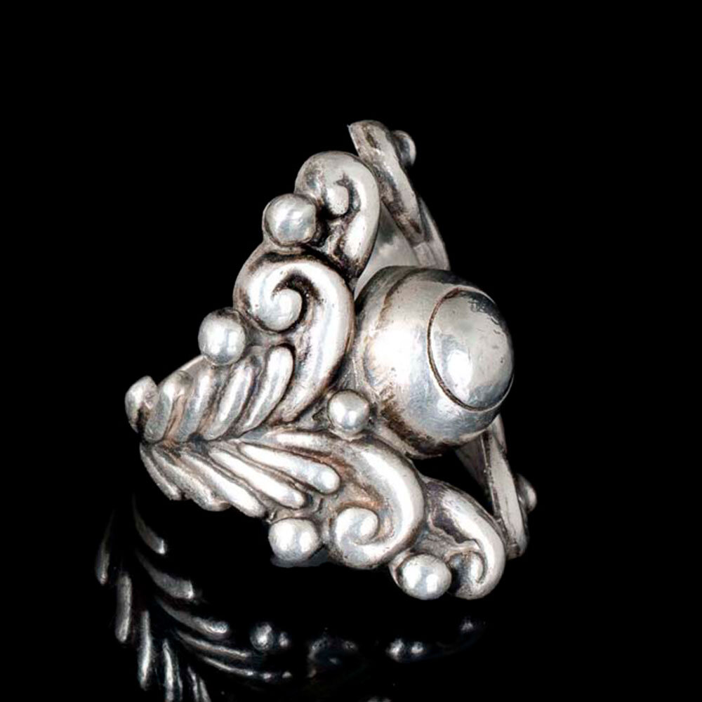 Ornate Gerardo Lopez Mexican silver repousse Ring