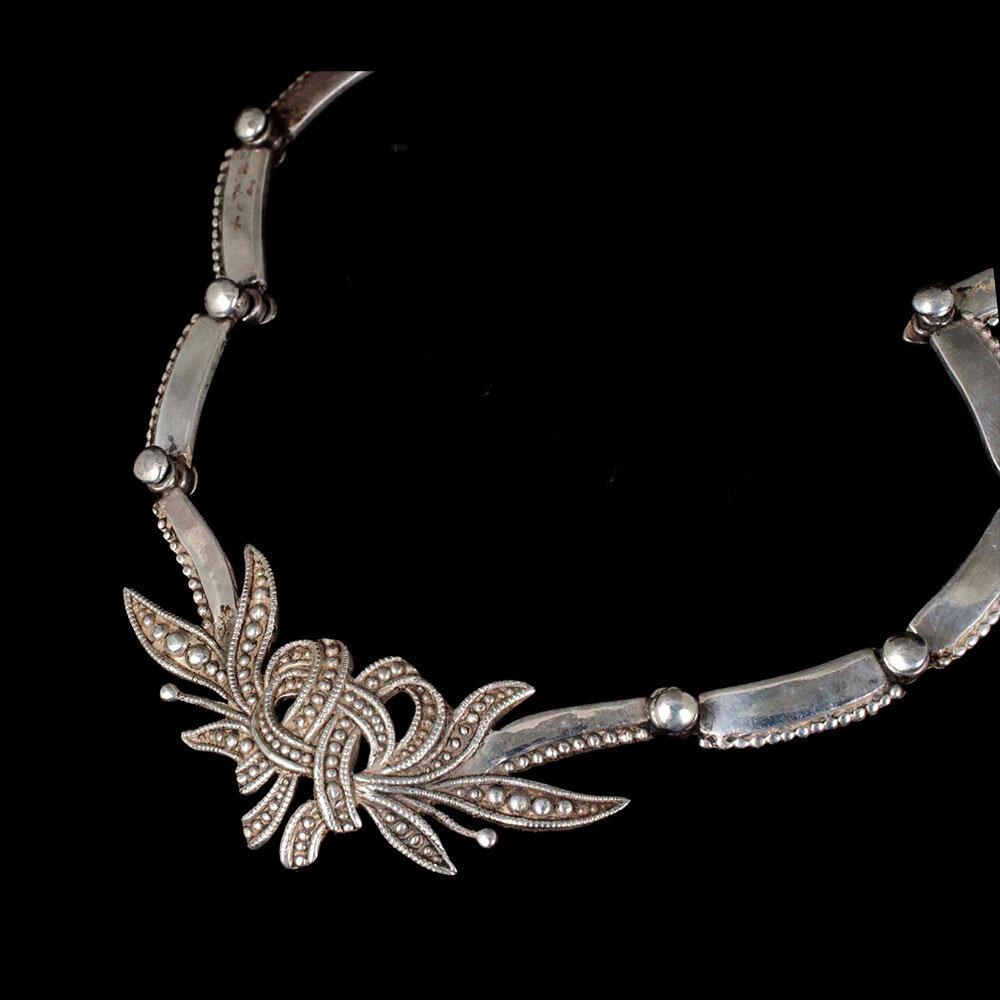Margot de Taxco Mexican silver foliate bow Necklace