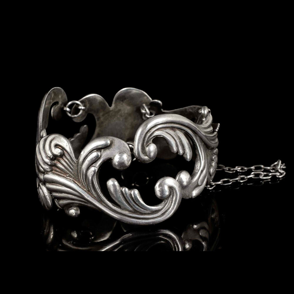 Los Castillo Mexican silver repousse feathers Bracelet