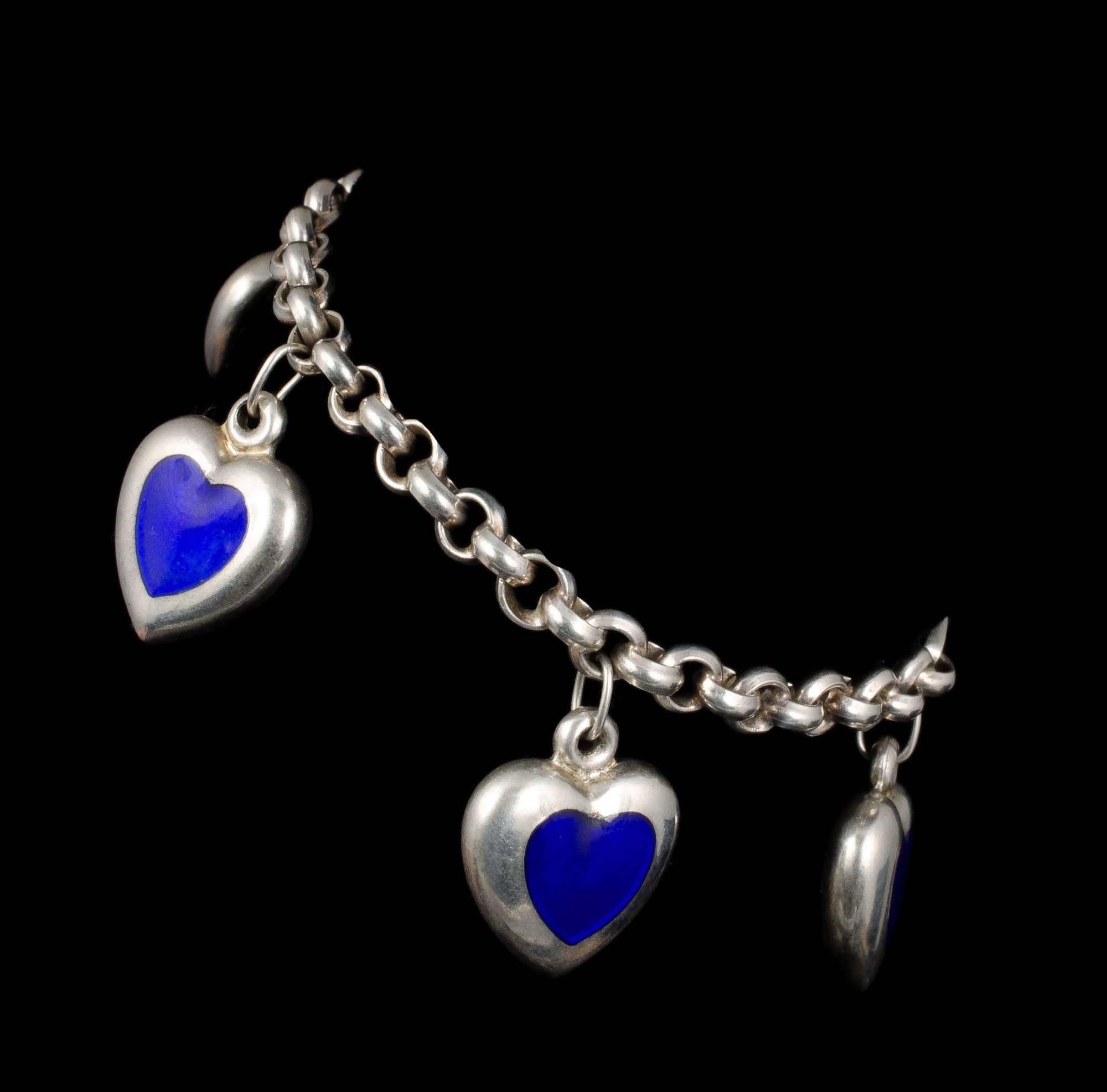 blueheartscharmbrac4.jpg