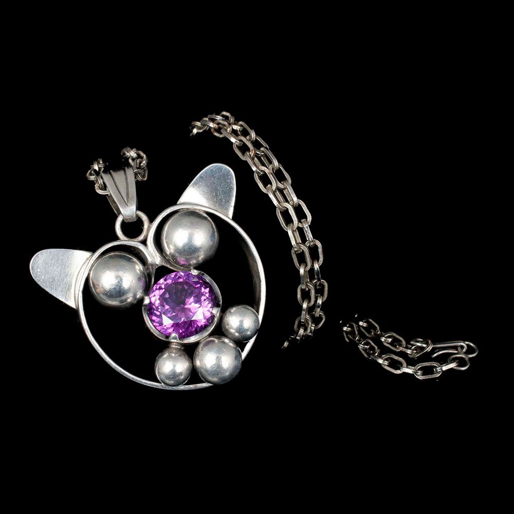 Los Ballesteros Mexican silver and sapphire cat Pendant