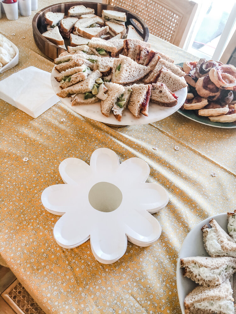 Let's talk about these daisy plates. I looked EVERYWHERE for these dang plates. I saw them in a picture and became obsessed so I searched up and down online but they were sold out almost everywhere. I finally found one pack and ordered them off some online store only to get a notification the next day apologizing that they were out of stock. I was so sad but I didn't give up. Somehow I came across Design Life Kids and they had like one pack left in stock so I snagged them real quick and hoped they'd arrive in time. So I'm sorry in advance if you fall in love with these plates like I did but then can't find them anywhere. I'm the worst.